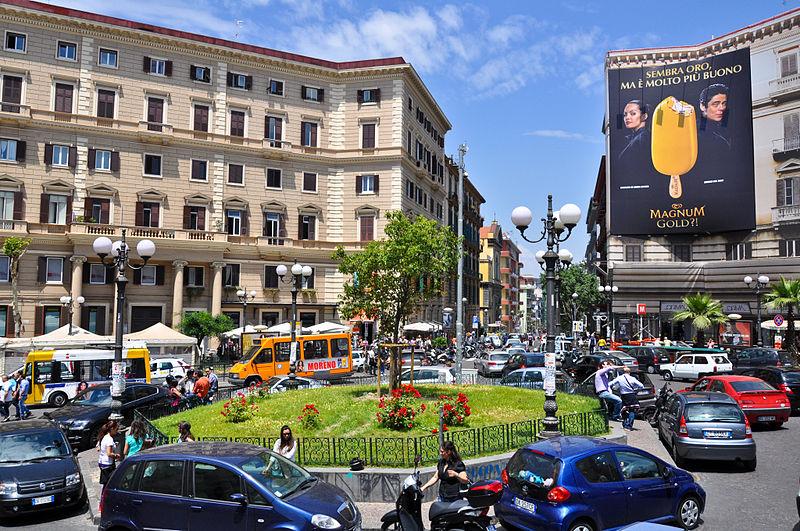 Piazza Vanvitelli, quartiere Vomero